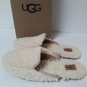 New UGG Shearling Loafer Size 9